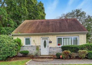 Pre Foreclosure in Wyandanch 11798 STATE AVE - Property ID: 1595883687