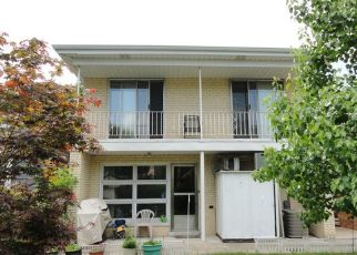 Pre Foreclosure in Elmwood Park 60707 N 75TH AVE - Property ID: 1596995700