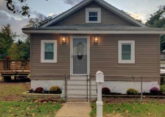 Pre Foreclosure in Riverton 08077 JAMES AVE - Property ID: 1597435870