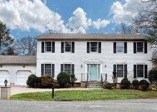 Pre Foreclosure in Emerson 07630 AURICCHIO AVE - Property ID: 1597670614