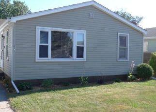 Pre Foreclosure in Mishawaka 46545 E BORLEY AVE - Property ID: 1597856759