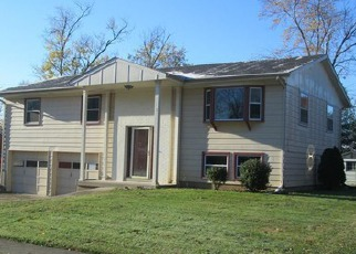 Pre Foreclosure in New Albany 47150 WOODBOURNE DR - Property ID: 1597867706