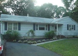 Pre Foreclosure in Medford 11763 PENNSYLVANIA AVE - Property ID: 1598175150