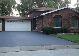 Pre Foreclosure in Tinley Park 60487 HILLTOP AVE - Property ID: 1598556636
