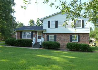 Pre Foreclosure in Lancaster 29720 HOLLYBERRY LN - Property ID: 1599131703
