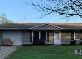 Pre Foreclosure in Paris 61944 W ELIZABETH ST - Property ID: 1599626155