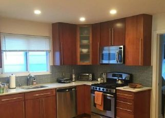 Pre Foreclosure in Fairview 07022 7TH ST - Property ID: 1599651570