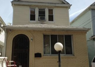Pre Foreclosure in Saint Albans 11412 198TH ST - Property ID: 1600401828