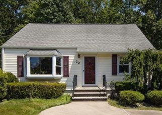 Pre Foreclosure in Blauvelt 10913 SWANNEKIN RD - Property ID: 1600410132