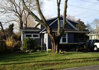 Pre Foreclosure in Patchogue 11772 GLENWOOD ST - Property ID: 1600496418