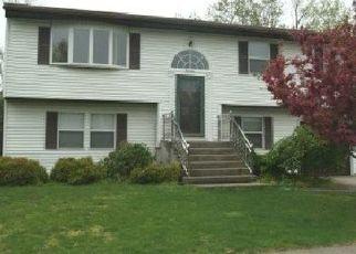 Pre Foreclosure in Islip 11751 S SHORE CT - Property ID: 1600503425