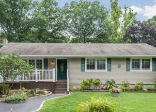 Pre Foreclosure in Ronkonkoma 11779 SHELTER RD - Property ID: 1600508685