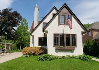 Pre Foreclosure in River Forest 60305 CLINTON PL - Property ID: 1600670739