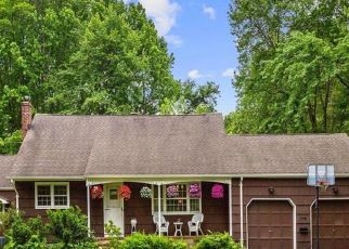 Pre Foreclosure in Belford 07718 PARK AVE - Property ID: 1600761839