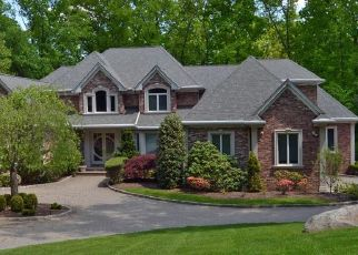 Pre Foreclosure in Saddle River 07458 W WILDWOOD RD - Property ID: 1600892342