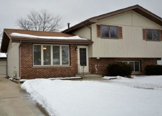 Pre Foreclosure in Tinley Park 60477 PAXTON AVE - Property ID: 1601084624