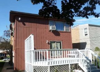Pre Foreclosure in Forest Park 60130 DUNLOP AVE - Property ID: 1601240992