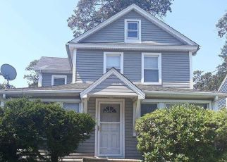 Pre Foreclosure in Freeport 11520 N LONG BEACH AVE - Property ID: 1601500251