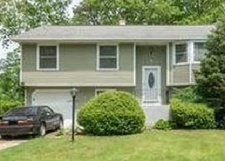 Pre Foreclosure in Hauppauge 11788 REED ST - Property ID: 1601778366