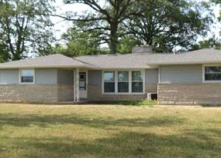 Pre Foreclosure in Hartford City 47348 E 450 N - Property ID: 1601833556