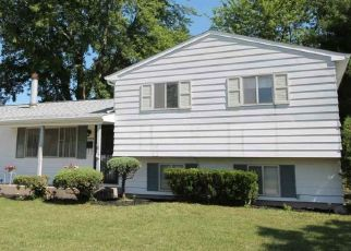 Pre Foreclosure in South Bend 46619 GREENLEAF LN - Property ID: 1601879547