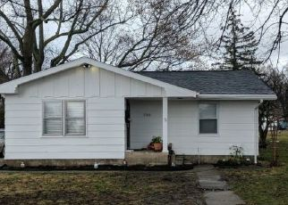 Pre Foreclosure in Mattoon 61938 N 1ST ST - Property ID: 1601924659