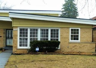 Pre Foreclosure in Dolton 60419 DOBSON AVE - Property ID: 1601938673