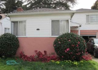 Pre Foreclosure in Oakland 94621 OLIVE ST - Property ID: 1602211531