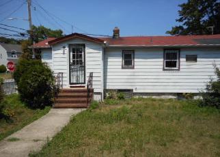 Pre Foreclosure in Freeport 11520 OAK ST - Property ID: 1602769952