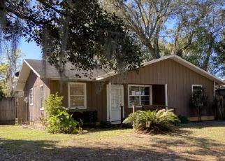 Pre Foreclosure in Lakeland 33815 W WALNUT ST - Property ID: 1602874621