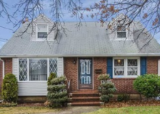 Pre Foreclosure in Franklin Square 11010 FRANKLIN ST - Property ID: 1603075650
