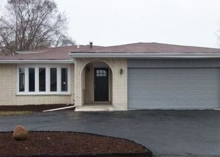 Pre Foreclosure in Chicago Heights 60411 LAKE PARK DR - Property ID: 1603102813