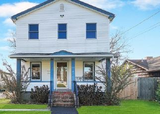 Pre Foreclosure in West Babylon 11704 NILL ST - Property ID: 1603525899