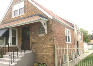 Pre Foreclosure in Chicago 60617 S HOUSTON AVE - Property ID: 1604419352