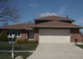 Pre Foreclosure in Tinley Park 60487 REDWOOD LN - Property ID: 1604857323
