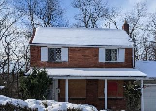 Pre Foreclosure in Pittsburgh 15235 VERONICA DR - Property ID: 1605435902