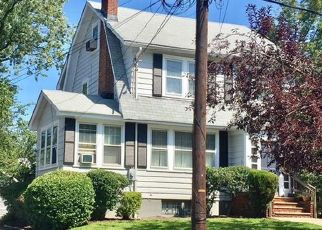 Pre Foreclosure in Maplewood 07040 S PIERSON RD - Property ID: 1606081914