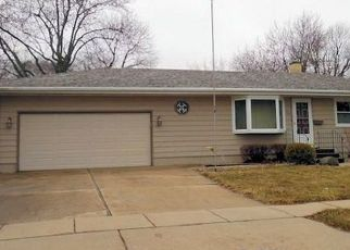 Pre Foreclosure in Rochelle 61068 S 10TH ST - Property ID: 1606556224