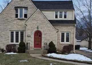 Pre Foreclosure in Waukesha 53188 N CUMBERLAND DR - Property ID: 1607788696