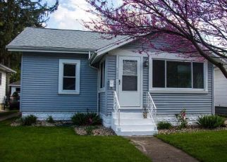 Pre Foreclosure in Elkhart 46516 WOOD ST - Property ID: 1607906954