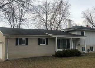 Pre Foreclosure in Livonia 48150 PINETREE ST - Property ID: 1608114992