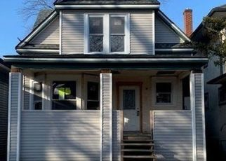 Pre Foreclosure in Oak Park 60304 S CUYLER AVE - Property ID: 1608885373