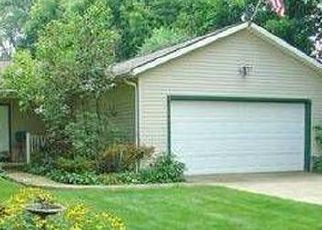 Pre Foreclosure in Stow 44224 KENT RD - Property ID: 1609087273