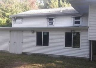 Pre Foreclosure in Lincoln 02865 ANGELL RD - Property ID: 1609721467