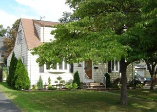 Pre Foreclosure in Kenilworth 07033 S 18TH ST - Property ID: 1610124399