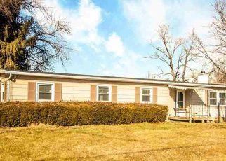 Pre Foreclosure in Peoria 61604 W FARMINGTON RD - Property ID: 1610223385
