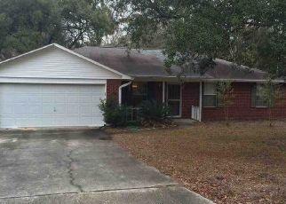 Pre Foreclosure in Pensacola 32506 TANTON LN - Property ID: 1610320170