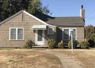 Pre Foreclosure in Ponca City 74601 N 3RD ST - Property ID: 1610708211