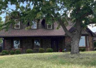 Pre Foreclosure in Lawton 73505 NW LINCOLN AVE - Property ID: 1610721358
