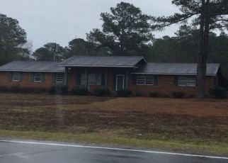 Pre Foreclosure in Fayetteville 28312 DUNN RD - Property ID: 1611035834